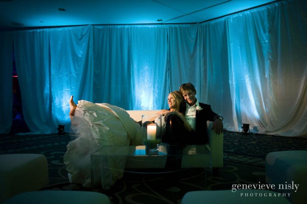 Cleveland, Copyright Genevieve Nisly Photography, Ohio, Renaissance Hotel, Wedding, Winter