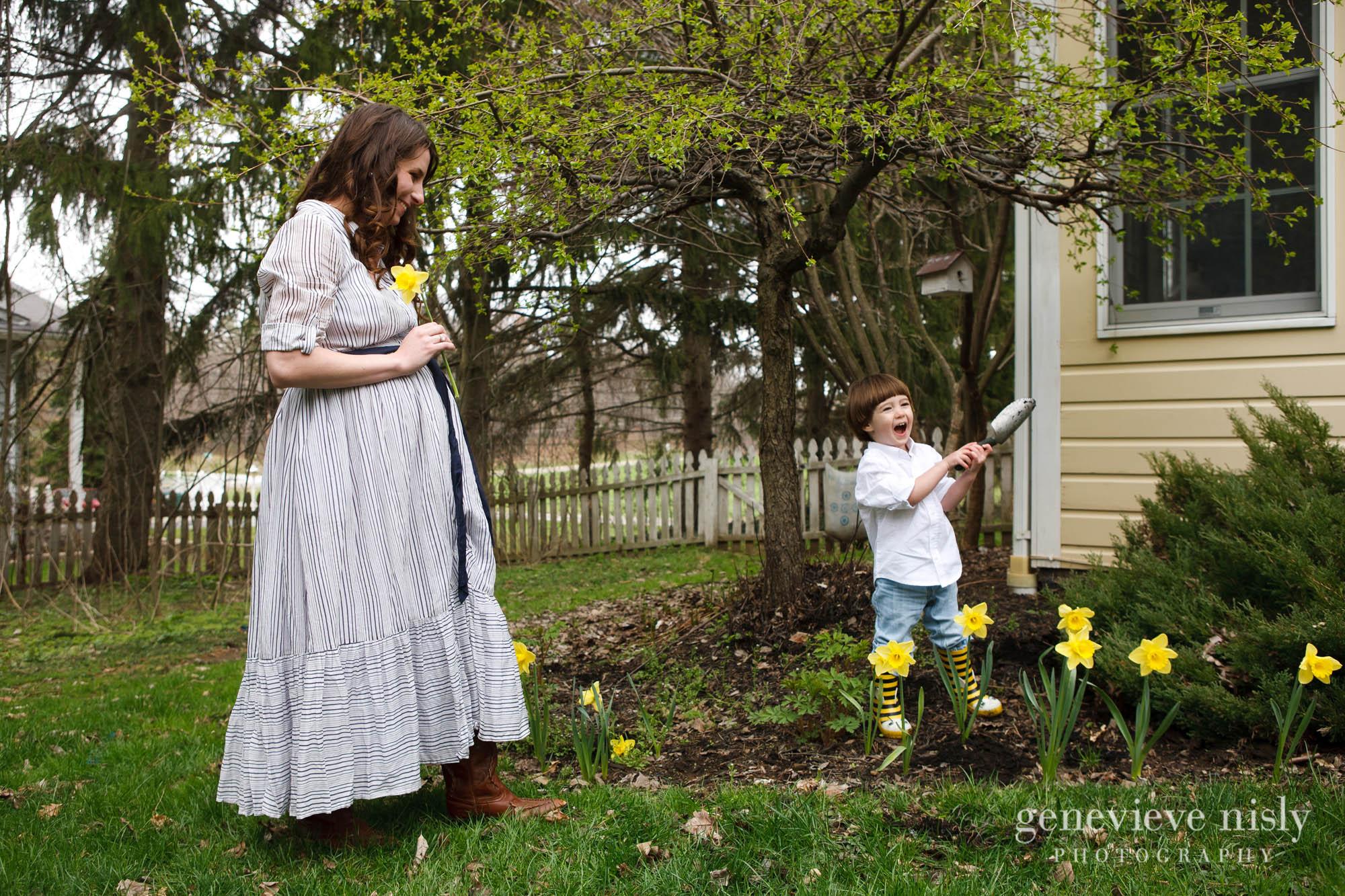 caitlin-003-canton-maternity-portrait-photographer-genevieve-nisly-photography