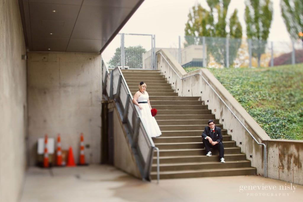 Akron, Akron Art Museum, Copyright Genevieve Nisly Photography, Fall, Ohio, Wedding