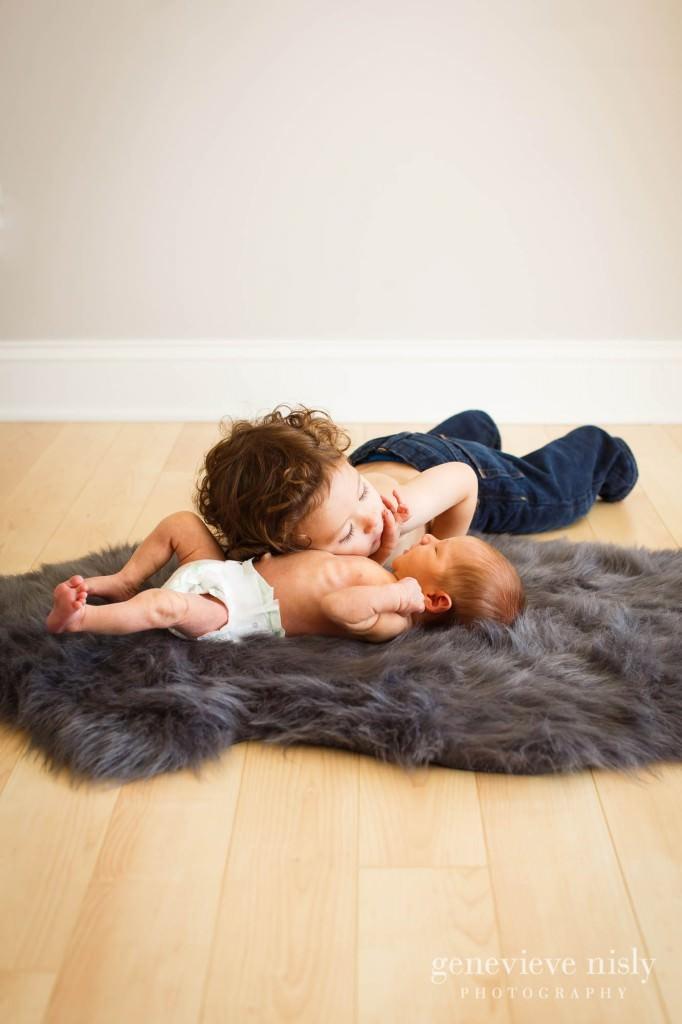 fynn-007-newborn-ohio-portrait-photographer-genevieve-nisly-photography