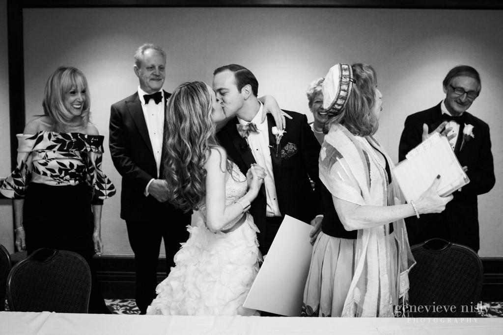 lindsey-jared-007-renaissance-hotel-cleveland-wedding-photographer-genevieve-nisly-photography