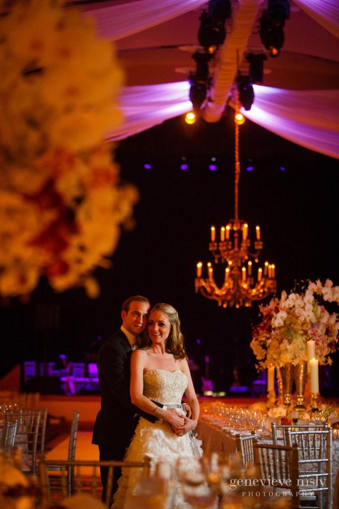 lindsey-jared-010-renaissance-hotel-cleveland-wedding-photographer-genevieve-nisly-photography