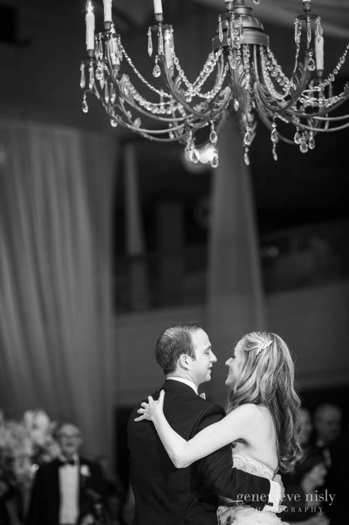 lindsey-jared-011-renaissance-hotel-cleveland-wedding-photographer-genevieve-nisly-photography
