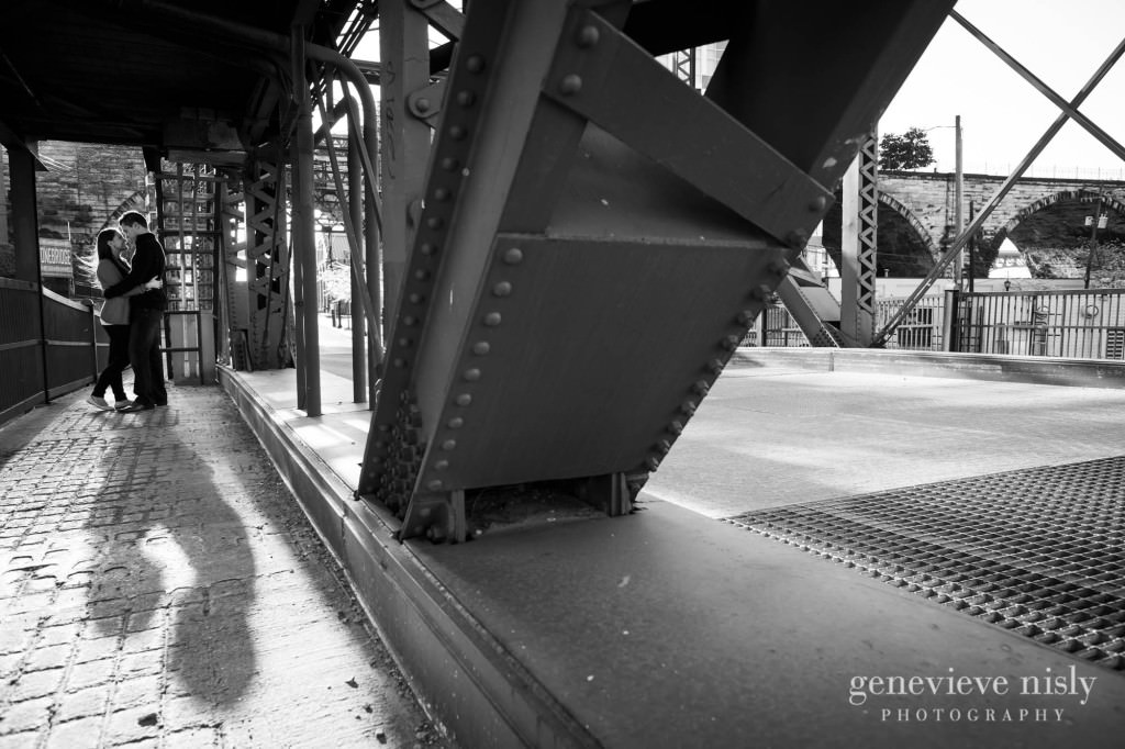 mark-katie002-flats-cleveland-engagement-photographer-genevieve-nisly-photography