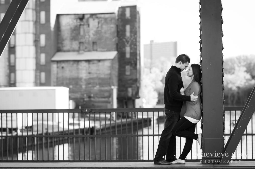mark-katie004-flats-cleveland-engagement-photographer-genevieve-nisly-photography