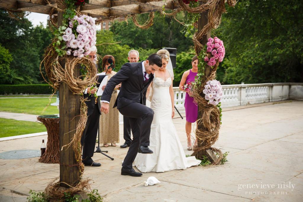Cleveland Museum of Art, Copyright Genevieve Nisly Photography, Summer, Wedding
