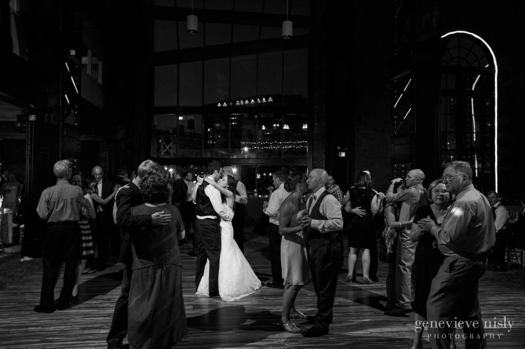 Cleveland, Copyright Genevieve Nisly Photography, Ohio, Summer, Wedding, Windows on the RIver