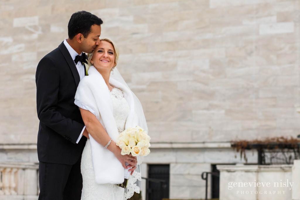 Cleveland, Cleveland Museum of Art, Copyright Genevieve Nisly Photography, Wedding, Winter