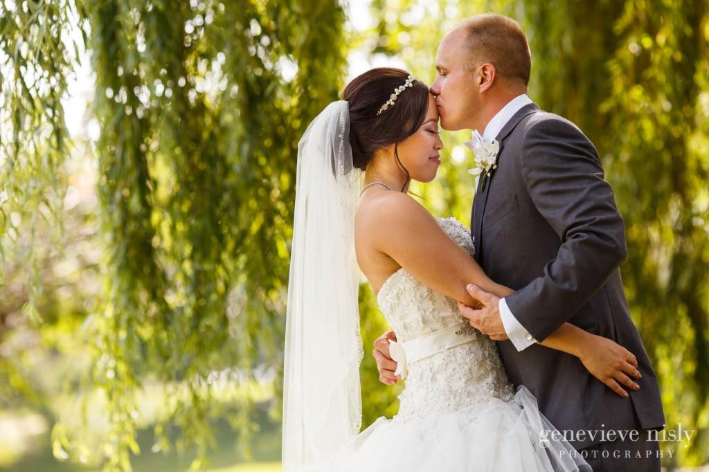 Sharon-Brian-020-Union-Club-cleveland-wedding-photographer-genevievve-nisly-photography