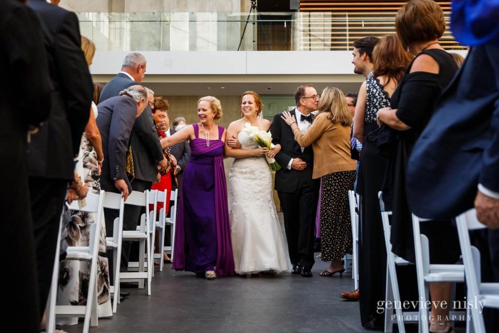 steven-beth-029-museum-of-art-cleveland-wedding-photographer-genevieve-nisly-photography