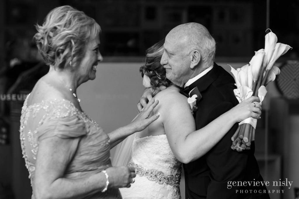 steven-beth-036-museum-of-art-cleveland-wedding-photographer-genevieve-nisly-photography