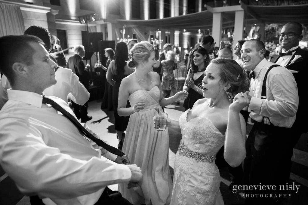 steven-beth-045-museum-of-art-cleveland-wedding-photographer-genevieve-nisly-photography