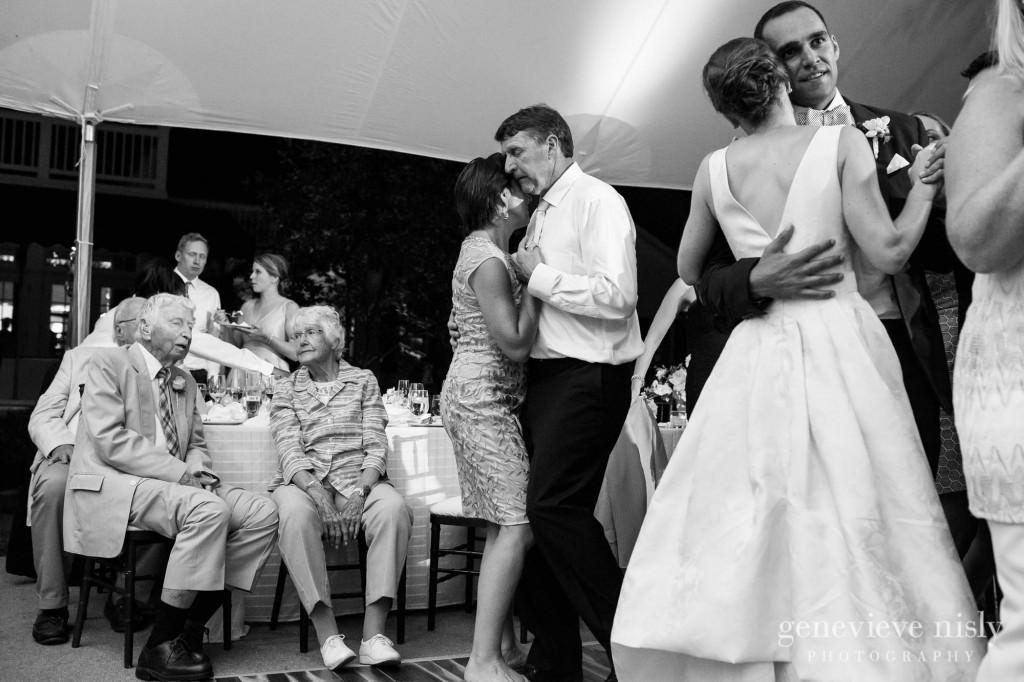 Margaret-Sam-044-chagrin-valley-hunt-club-gates-mills-wedding-photographer-genevieve-nisly-photography