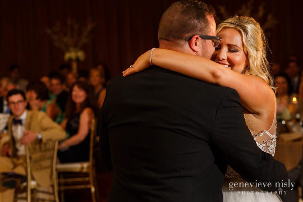 Alyssa-Brian-035-renaissance-hotel-cleveland-wedding-photographer-genevieve-nisly-photography