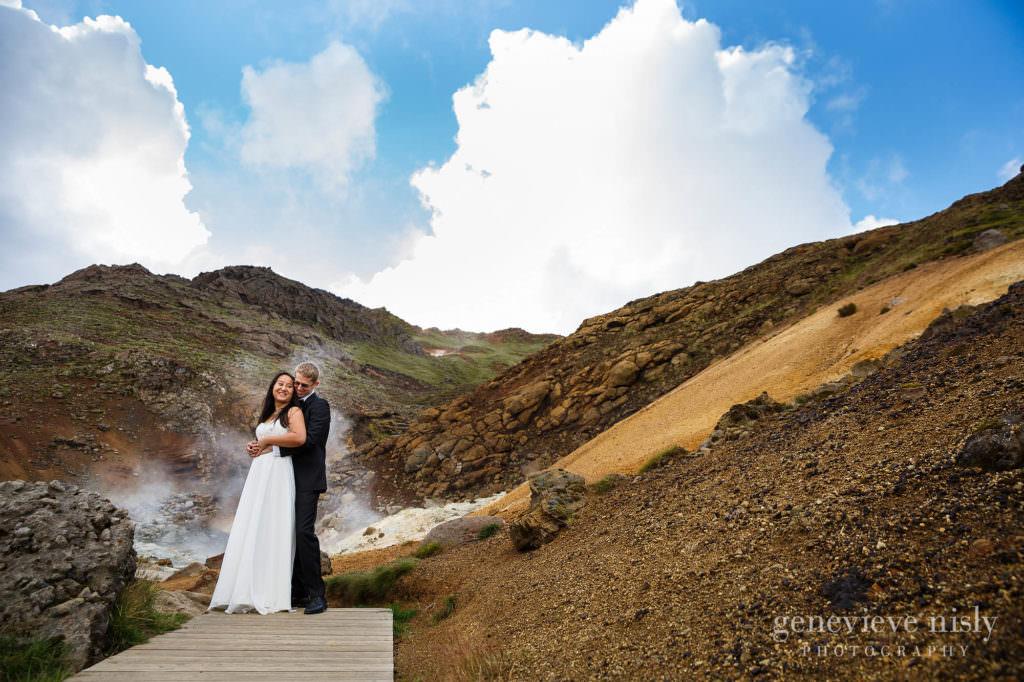 kathy-david-008-iceland-reykjanesfolkvangur-destination-wedding-photographer-genevieve-nisly-photography