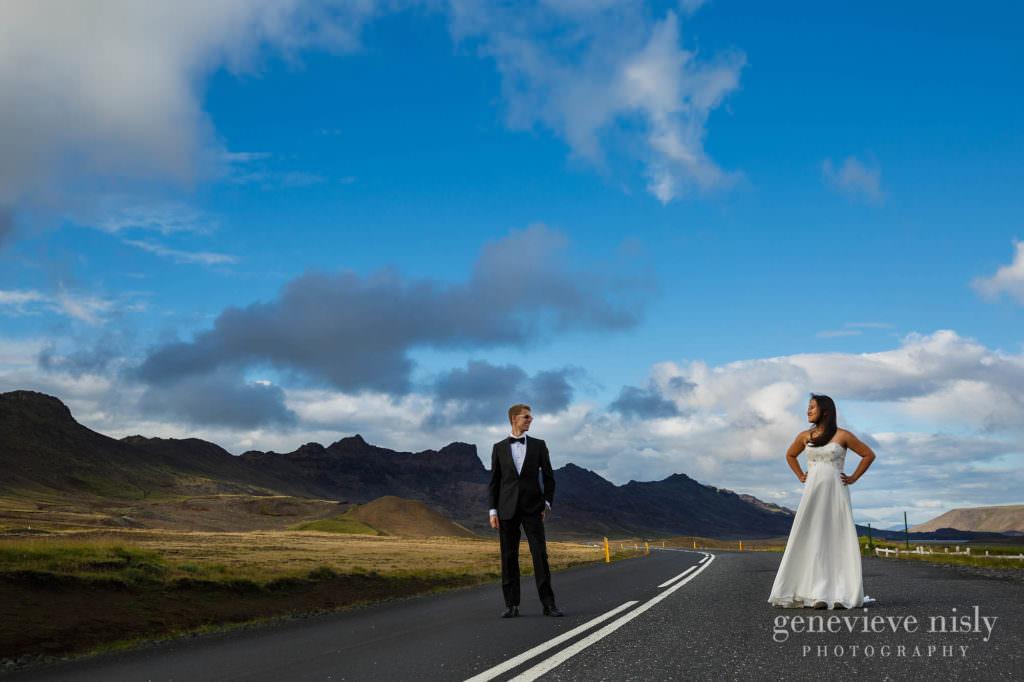 kathy-david-010-iceland-reykjanesfolkvangur-destination-wedding-photographer-genevieve-nisly-photography