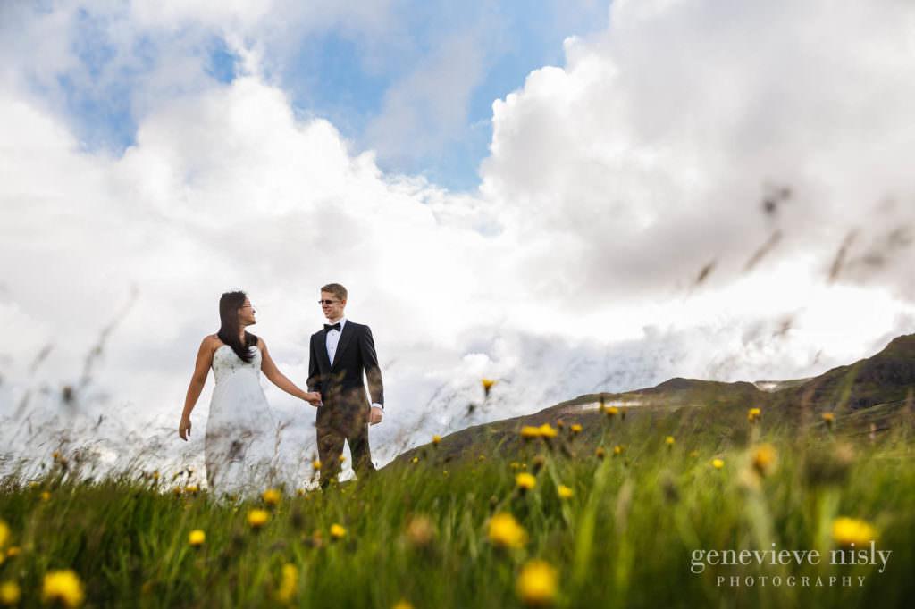 kathy-david-011-iceland-reykjanesfolkvangur-destination-wedding-photographer-genevieve-nisly-photography