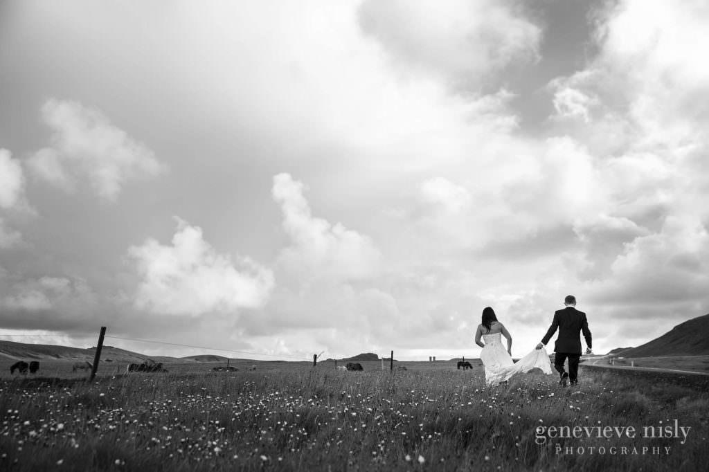 kathy-david-012-iceland-reykjanesfolkvangur-destination-wedding-photographer-genevieve-nisly-photography