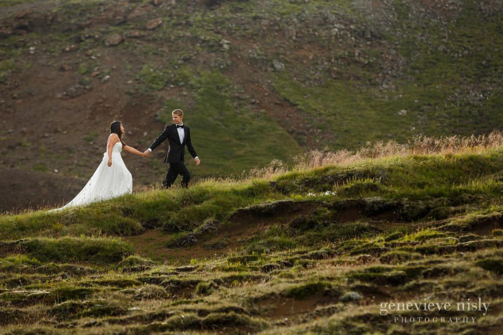 kathy-david-015-iceland-reykjanesfolkvangur-destination-wedding-photographer-genevieve-nisly-photography