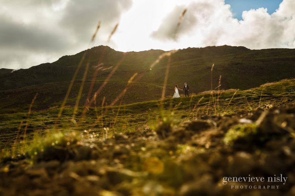 kathy-david-016-iceland-reykjanesfolkvangur-destination-wedding-photographer-genevieve-nisly-photography