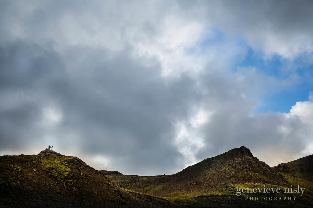kathy-david-019-iceland-reykjanesfolkvangur-destination-wedding-photographer-genevieve-nisly-photography