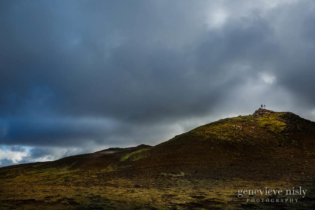 kathy-david-020-iceland-reykjanesfolkvangur-destination-wedding-photographer-genevieve-nisly-photography