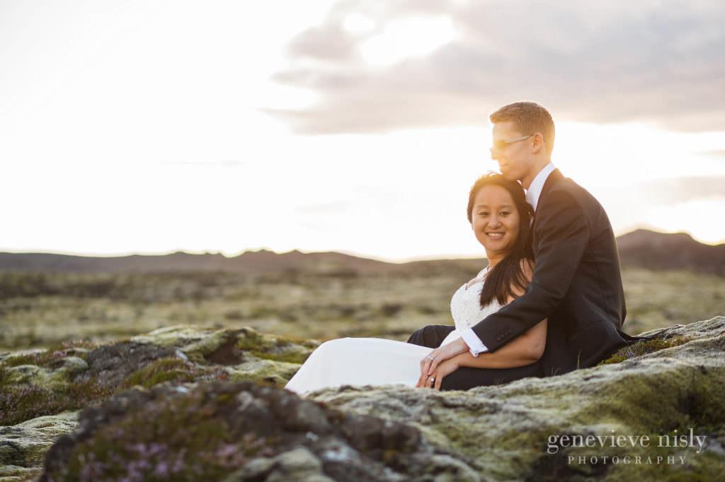 kathy-david-032-iceland-reykjanesfolkvangur-destination-wedding-photographer-genevieve-nisly-photography