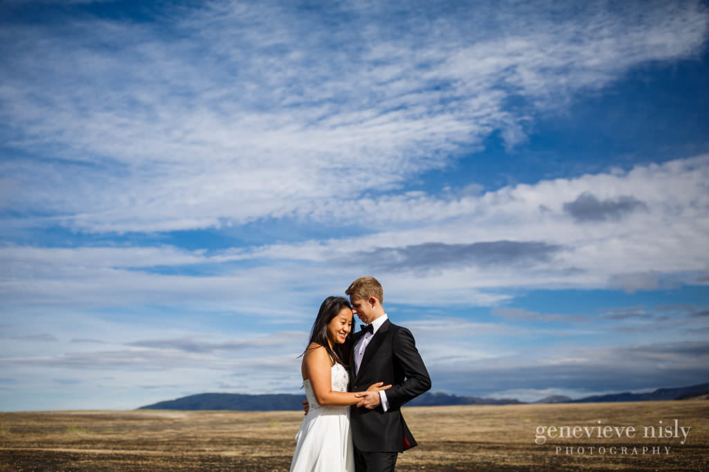 kathy-david-035-iceland-landmannalaugar-destination-wedding-photographer-genevieve-nisly-photography