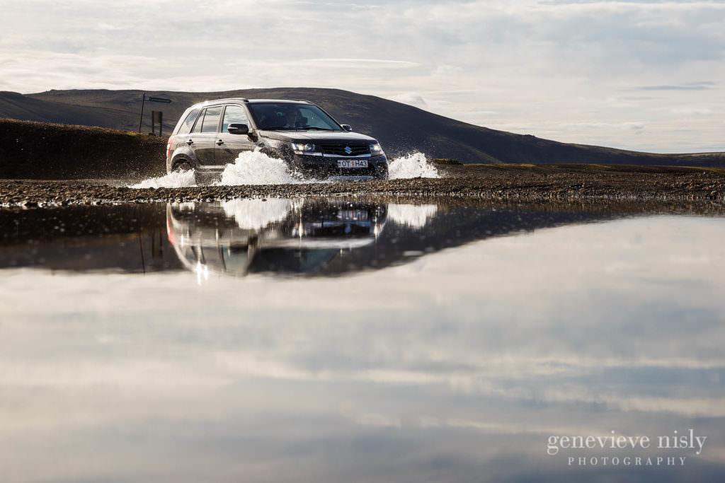 kathy-david-037-iceland-landmannalaugar-destination-wedding-photographer-genevieve-nisly-photography
