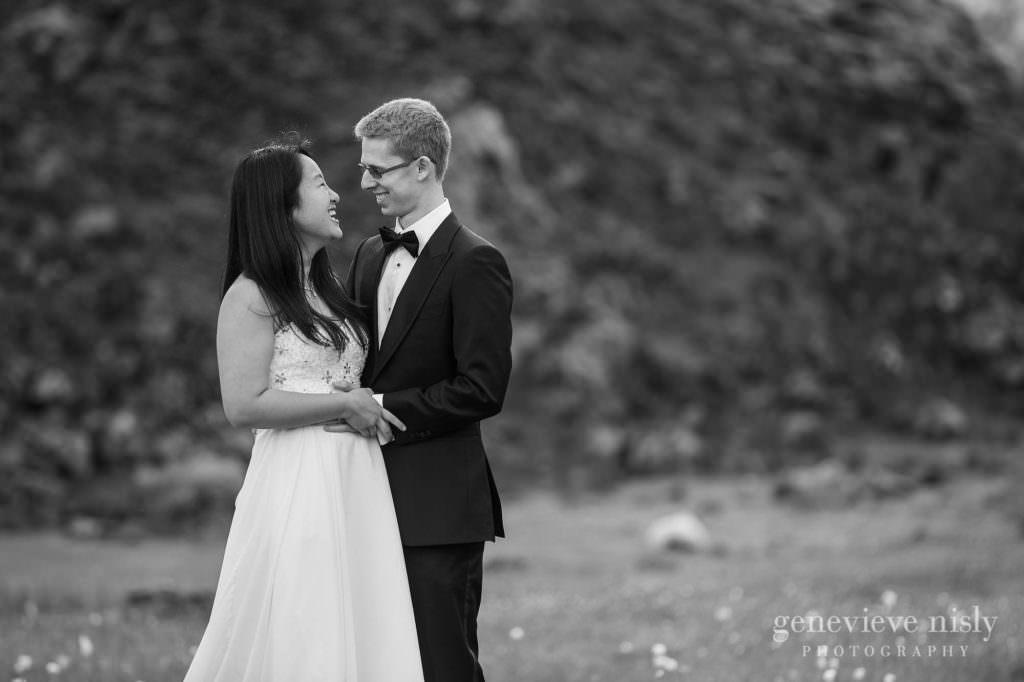 kathy-david-041-iceland-landmannalaugar-destination-wedding-photographer-genevieve-nisly-photography