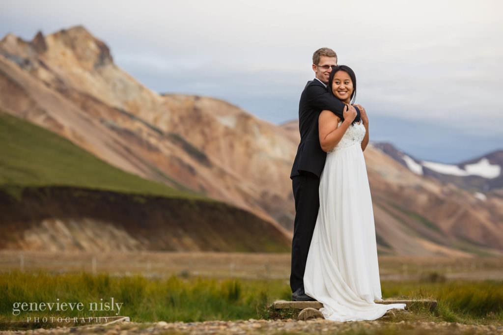 kathy-david-044-iceland-landmannalaugar-destination-wedding-photographer-genevieve-nisly-photography