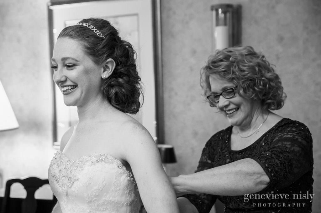 Wedding, Copyright Genevieve Nisly Photography, Summer, Ohio, Kent