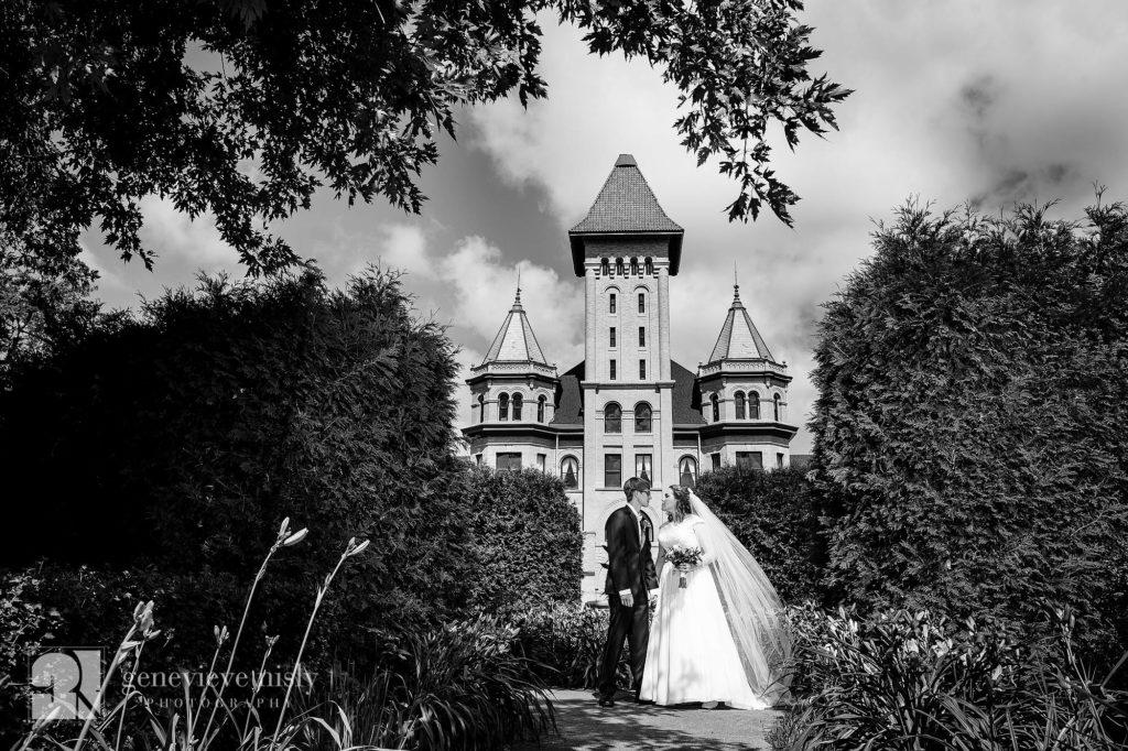 Copyright Genevieve Nisly Photography, Wedding, Summer, Minnesota, Fergus Falls