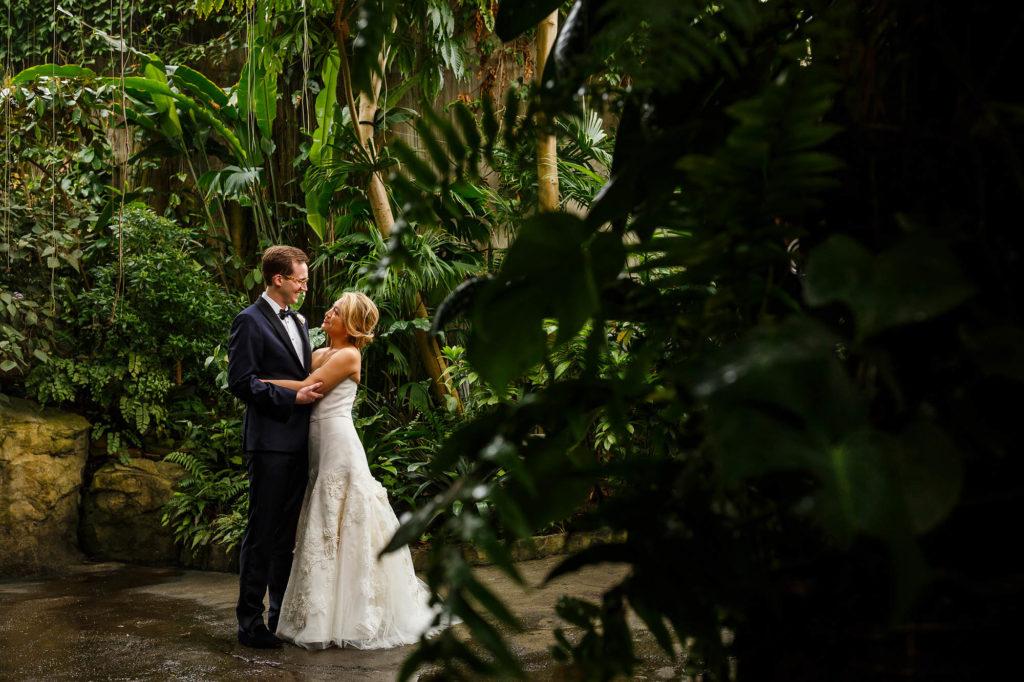 Wedding, Ohio, Cleveland, Botanical Gardens, Copyright Genevieve Nisly Photography