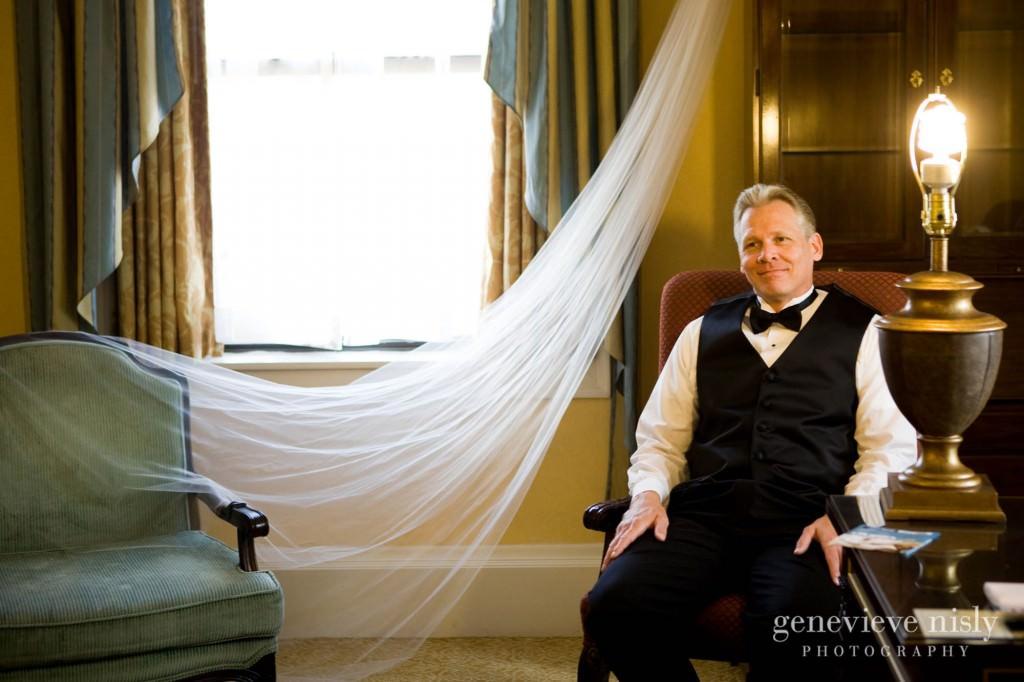 coleman-brianna-006-renaissance-hotel-cleveland-wedding-photographer-genevieve-nisly-photography