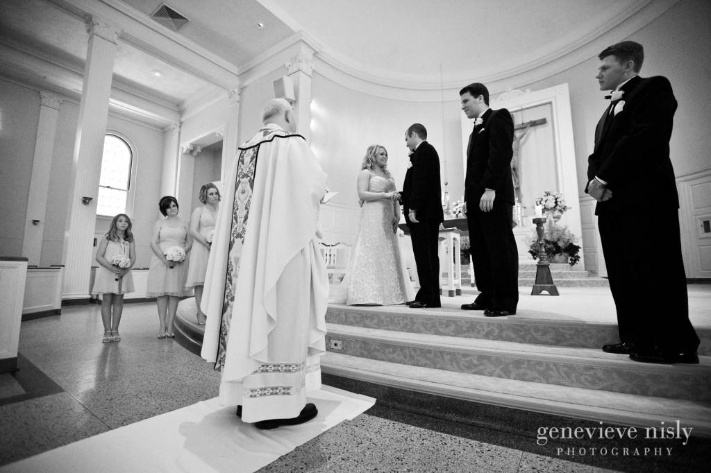 coleman-brianna-018-renaissance-hotel-cleveland-wedding-photographer-genevieve-nisly-photography
