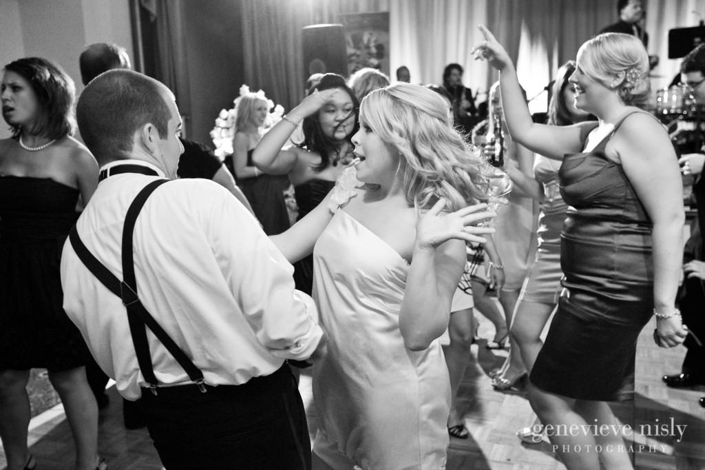 coleman-brianna-045-renaissance-hotel-cleveland-wedding-photographer-genevieve-nisly-photography