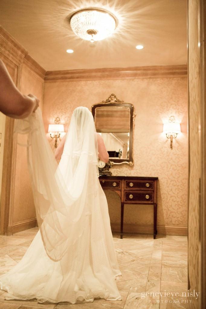 Cleveland, Copyright Genevieve Nisly Photography, Renaissance Hotel, Summer, Wedding