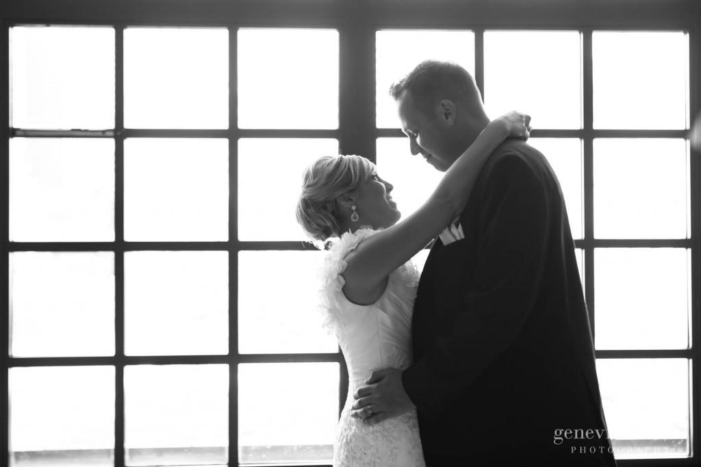 Cleveland, Club at Key Center, Copyright Genevieve Nisly Photography, Summer, Wedding