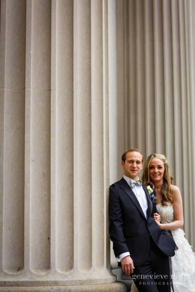 lindsey-jared-006-tower-city-cleveland-wedding-photographer-genevieve-nisly-photography