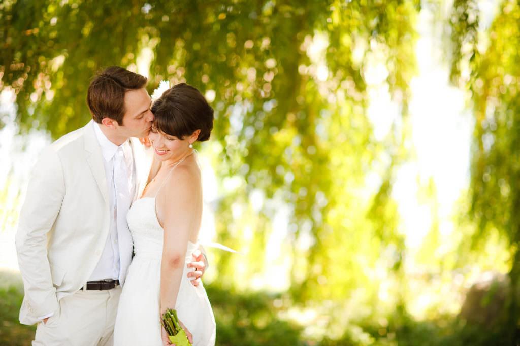 040-edgewater-park-cleveland-wedding-photographer-genevieve-nisly-photography