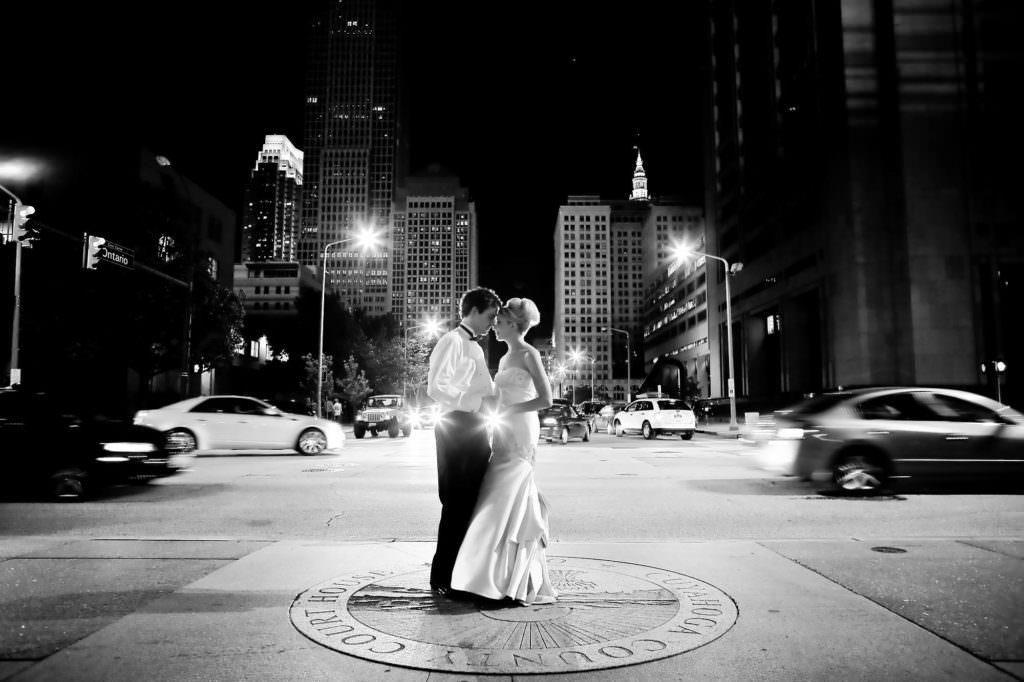 048-old-courthouse-cleveland-wedding-photographer-genevieve-nisly-photography
