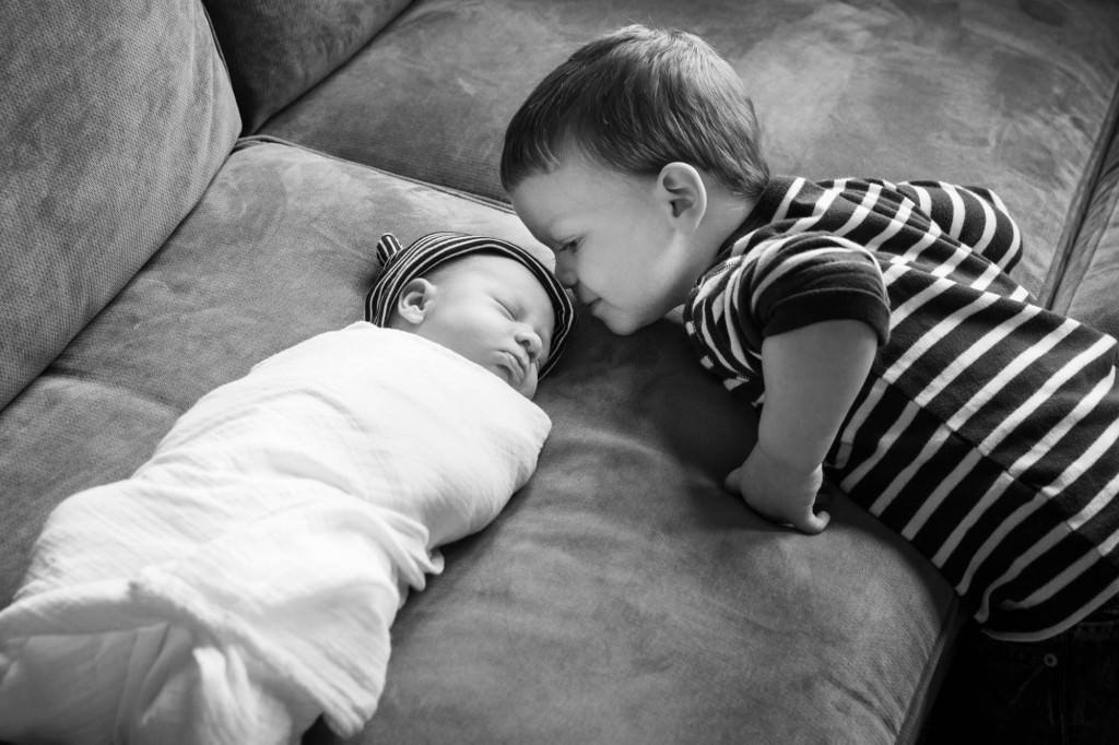 babies-013-cleveland-akron-portrait-photographer-genevieve-nisly-photography