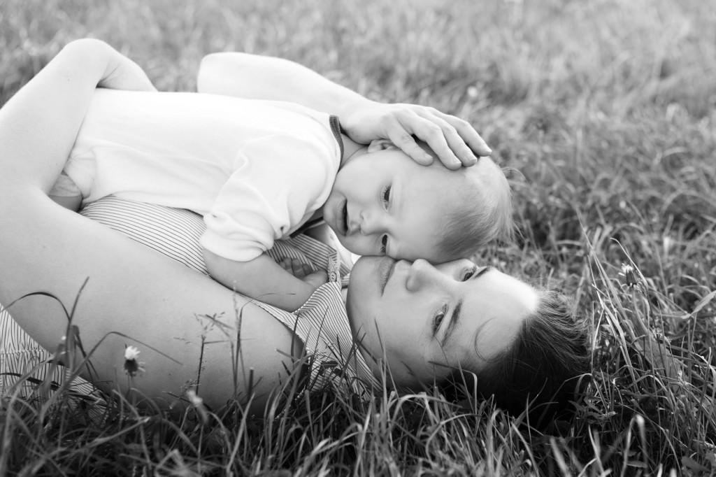 babies-041-cleveland-akron-portrait-photographer-genevieve-nisly-photography