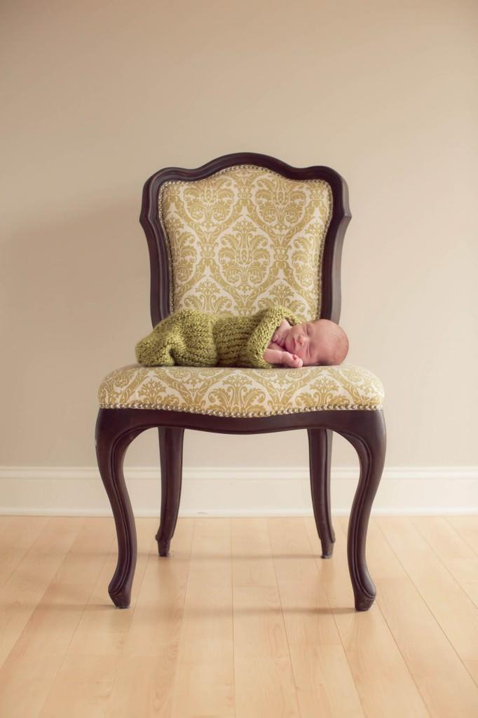 babies-048-cleveland-akron-portrait-photographer-genevieve-nisly-photography