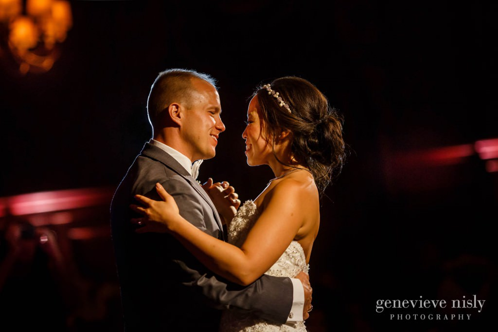 Sharon-Brian-037-Union-Club-cleveland-wedding-photographer-genevievve-nisly-photography