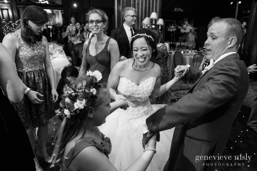 Sharon-Brian-039-Union-Club-cleveland-wedding-photographer-genevievve-nisly-photography