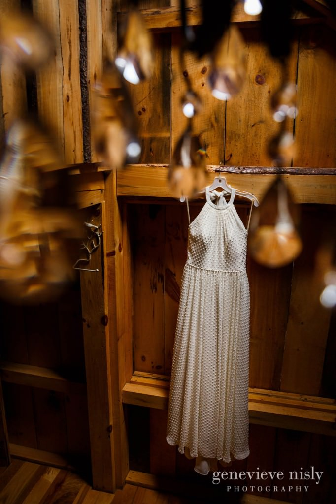 emily-cory-001-grand-barn-mohicans-wedding-photographer-genevieve-nisly-photography