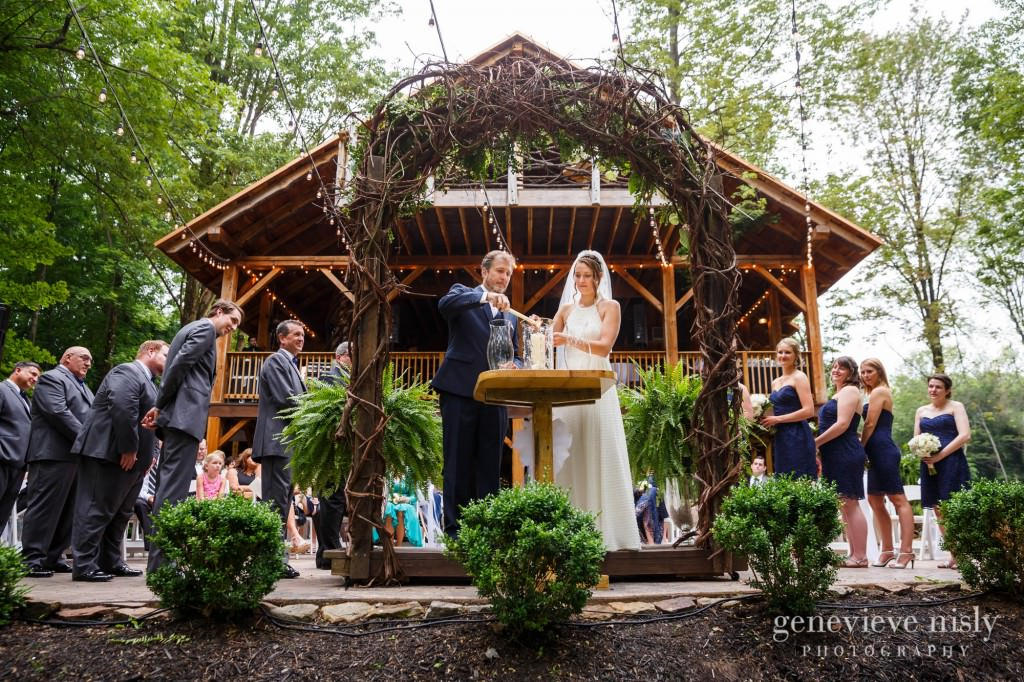 emily-cory-009-grand-barn-mohicans-wedding-photographer-genevieve-nisly-photography