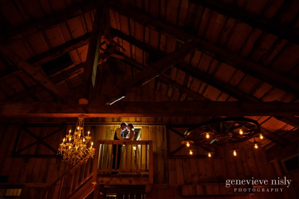 emily-cory-020-grand-barn-mohicans-wedding-photographer-genevieve-nisly-photography
